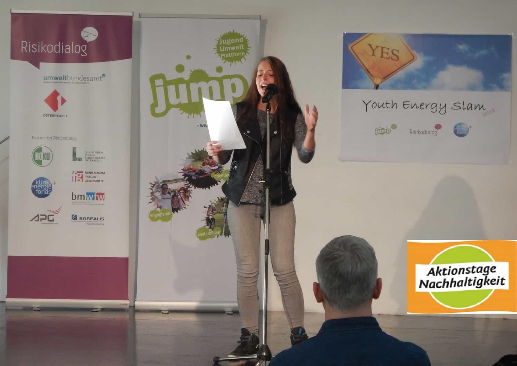 NH-Reporterin Aglavaine Lakner beim Youth-Energy-Slam am 25. Mai 2018 1